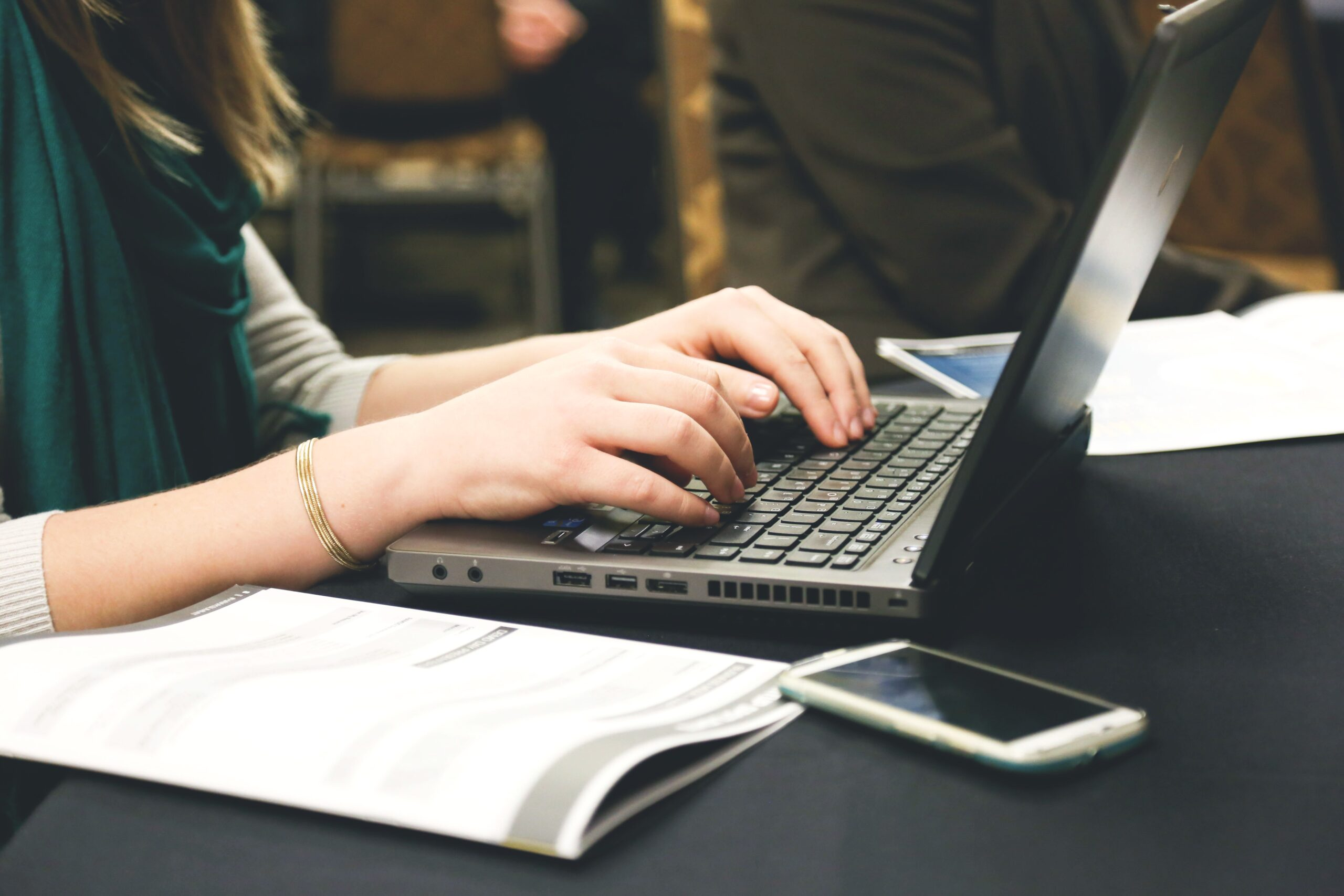 best 10-finger typing training sites and typing speed testing